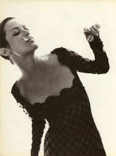 Carolyn Murphy by Mark Borthwick for Vogue Italia, September 1996 Carolyn Murphy, Miss Mode, Mark Borthwick, Miss France, Fashion Gone Rouge, Linda Evangelista, Women Smoking, Model Photos, Oeuvre D'art