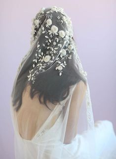 Juliet vintage inspired veil, twigs and honey, embroidered veil, bridal veil Veil Hairstyles, Wedding Hairstyles, Bridal Looks, Bridal Style, Wedding Veils, Wedding Dresses, Wedding Scene, Wedding Beach, Church Wedding