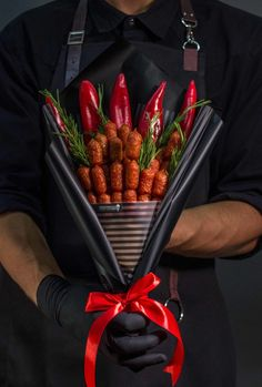 41 Ideas Flowers Birthday Food For 2019 Man Bouquet, Food Bouquet, Edible Bouquets, Food Garnishes, Chocolate Bouquet, Food Gifts, Food Art, Birthday Gifts, Creations