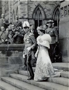 """theimperialcourt: """" King George VI and Queen Elizabeth (The Queen Mother), Ottawa, 1939 """" English Royal Family, British Royal Families, Lady Elizabeth, Princess Elizabeth, Royal Life, Royal House, Royal Queen, King Queen, Prinz Philip"""