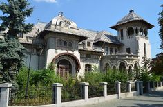 Casa Radu Stanian, Ploiești Shopping Street, The Beautiful Country, Bucharest, Beautiful Architecture, Old Houses, Interior And Exterior, Places To Visit, Floor Plans, House Design