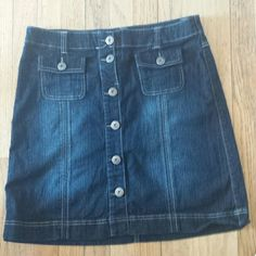 "Denim Button Front Skirt Beautiful dark wash. Excellent condition. Length 20"" 98 % cotton 2 % spandex Price firm on items $9 and under Baccini Skirts"