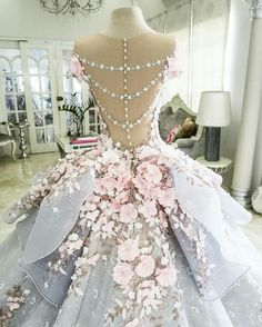 Romantic Appliques Ball Gown Wedding Dresses with Beading from Yaydressy Romantische Applikationen Ballkleid Perlen Brautkleid – Thumbnail 2 Quinceanera Dresses, Prom Dresses, Wedding Dresses, Gown Wedding, Formal Dresses, Summer Dresses, Casual Dresses, Flower Dresses, Couture Dresses Gowns