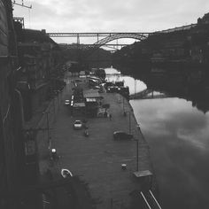 Ponte Luis I. Built by same constructor of Eiffel Tower. #porto #portugal #douro #bragielsabroad #bridge #dusk by bragielbites