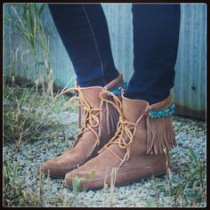 .@Minnetonka Moccasin | A new DIY to try today on the blog created by Courtney Kennedy of Always Roon...