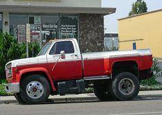 Would make and awesome shop truck. Dually Trucks, Gm Trucks, Diesel Trucks, Lifted Trucks, Cool Trucks, Pickup Trucks, Custom Chevy Trucks, Chevrolet Trucks, Custom Cars