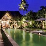 Located in very strategic Seminyak area, a fresh Villa complex which is only about less than 10 minutes walk to the famous Kudeta beach restaurants and Seminyak beach has to offer.  http://www.balilookvillas.com/villa-massilia/
