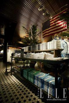 Hollister store interior design inspiration interesting for Hollister design