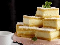 Kinder mliečny rez – rýchly a výborný koláčik bez múky! Slovak Recipes, Czech Recipes, Hungarian Recipes, Baking Recipes, Dessert Recipes, Christmas Dishes, Pastry Cake, No Bake Cake, Sweet Recipes