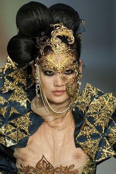 Guo Pei Couture - striking!