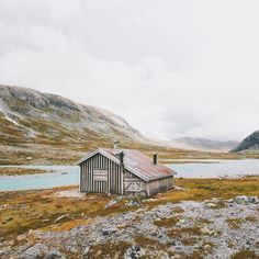 """Summer cabin on the Strynefjellet plateau"""