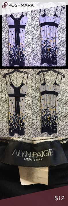 """Alyn Paige New York Knee Length Dress Size Small Alyn Paige New York Knee Length Dress Size Small. Padded Cups. Lined Bust. 96% Polyester, 4% Spandex. Length underarm to side of hem = 29"""".  ✅Offers Welcome w/Offer Button 🚫Trade 🚫PP ✅20%OffBundle ✅Ships1Day. Alyn Paige Dresses"""
