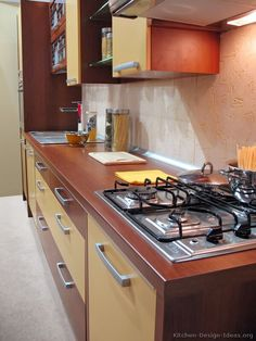 Modern Yellow Kitchen Cabinets  (Kitchen-Design-Ideas.org)