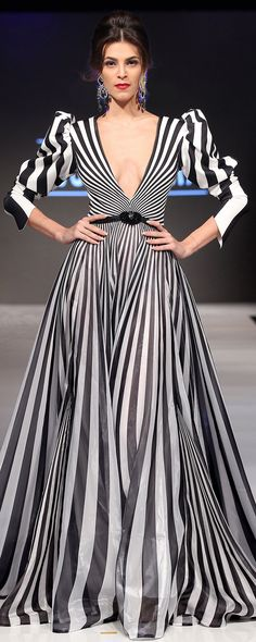 Fouad Sarkis Frühjahr/Sommer 2016 - Pret-a-porter Couture Mode, Couture Fashion, Runway Fashion, Fashion Trends, White Fashion, Love Fashion, Fashion Design, Beautiful Gowns, Beautiful Outfits