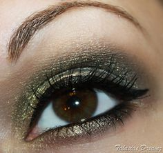 eye make up with Catrice spectaculART Pure Chrome Eyeshadow 01 So Precious, more photos: http://www.talasia.de/2013/01/01/catrice-spectaculart-pure-chrome-eyeshadow-01-so-precious/