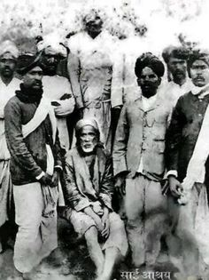 Complete Virtual Tour of Shirdi wale Sai Baba Temple with all details. Miracles of Sai Baba, Samadhi Mandir Sai Baba Pictures, God Pictures, Rare Pictures, Rare Photos, Indiana, Shirdi Sai Baba Wallpapers, Indian Saints, Sai Baba Hd Wallpaper, Sai Baba Quotes