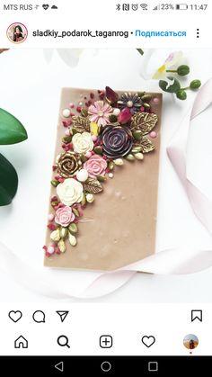 Chocolate Garnishes, Chocolate Snacks, Chocolate Bark, How To Make Chocolate, Chocolate Designs, Handmade Chocolates, Cake Shapes, Artisan Chocolate, Bark Recipe