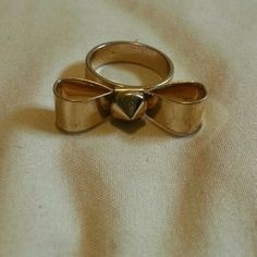 Gold Bow Ring Pretty gold ring with a bow on it. Jewelry Rings