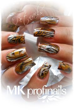 Acrylic nails by KimsKieNails Sexy Nails, Hot Nails, Fancy Nails, Pretty Nails, Tiger Stripe Nails, Tiger Nails, Safari Nails, Diy Nail Designs, Stylish Nails