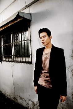 Won Bin. Possibly the sexiest Asian man ever.