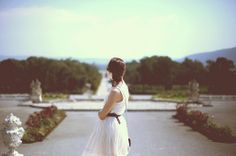 schloss hof Maria Theresia, Pretty Pictures, White Dress, Flower Girl Dresses, Wedding Dresses, Image, Versailles, Glitter, Women