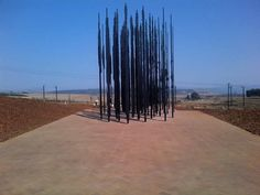 The Freedom Fighter – Nelson Mandela Sculpture made of Prison Bars > Film-/ Fotokunst, Installationen, Sculptures, Streetstyle > arpartheid, freedom, mandela, sout africa