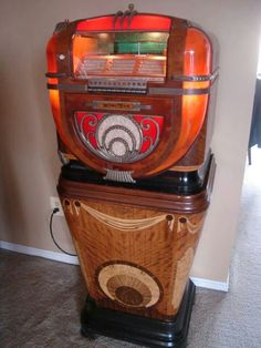 Wurlitzer model 81 on model 810 stand