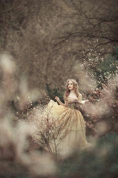 Queen's maiden