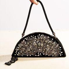 """Купить """"Рене Лалик #2"""", вечерняя бархатная сумка, вышитая жемчугом, канителью - Вышивка бисером"""