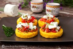 Grilled polenta with salsa and goat cheese. (in Romanian) Grilled Polenta, Salsa, Romanian Food, Romanian Recipes, Goat Cheese, Bruschetta, Main Dishes, Grilling, Good Food