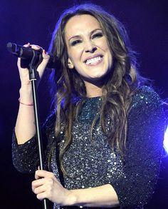 Malú en el concierto solidario de Cadena 100 #cantantes #famosas #música