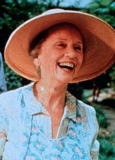 Check out production photos, hot pictures, movie images of Jessica Tandy and more from Rotten Tomatoes' celebrity gallery! New Movies, Good Movies, Jessica Tandy, Driving Miss Daisy, People Icon, Book People, Granny Chic, Celebrity Gallery, Video Film