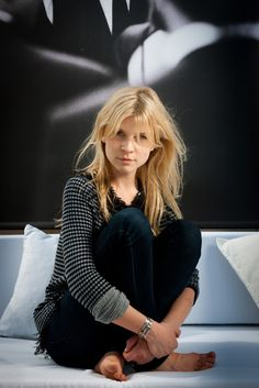 Clemence at a photo session at the Cannes film festival. Clémence Poesy, Cannes, Felicity Jones, French Chic, French Style, French Actress, French Girls, Parisian Chic, Iconic Women