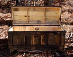 DIY Pallet Chest /Coffee Table | Pallet Furniture DIY