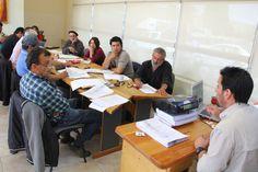 Concluye con éxito segunda etapa del trabajo para la elaboración de la Ley de Economía Social en Chubut http://www.ambitosur.com.ar/concluye-con-exito-segunda-etapa-del-trabajo-para-la-elaboracion-de-la-ley-de-economia-social-en-chubut/ Se desarrolló este viernes en Esquel un encuentro con muy importante participación de organizaciones sociales de las Comarcas de la Meseta y de Los Andes. Se trata de una iniciativa impulsada por el gobernador Martín Buzzi para beneficio