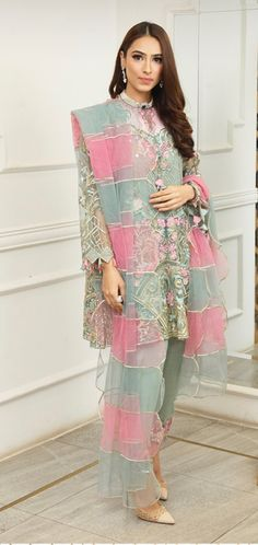 Bridal Suits Punjabi, Pakistani Wedding Outfits, Pakistani Bridal, Pakistani Dresses, Indian Inspired Fashion, Indian Fashion, Indian Gowns, Indian Wear, Classy Suits