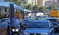 Offerte lavoro Genova  Il vicesindaco Stefano Balleari risèonde a Francesco La Spina  #Liguria #Genova #operatori #animatori #rappresentanti #tecnico #informatico Bus più spazi per i passeggeri