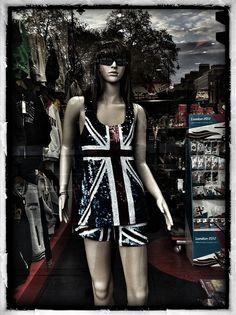 London, Dummy love by sagita28, via Flickr