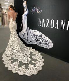 19.5 тыс. отметок «Нравится», 52 комментариев — Wedding  (@wedding_bridetobride) в Instagram: «Masha❤️ @enzoani Can't get over the new 2018 lace designs by @Enzoani . . . . . . . . . . . .…»