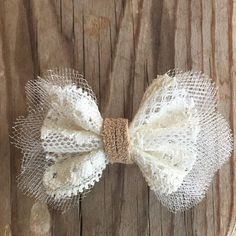 Vintage Hair Vintage Lace Hair Clip - Handmade Bow Hair clip with alligator clip. Diy Hair Bows, Diy Bow, Bow Hair Clips, Handmade Hair Bows, Bow Clip, Burlap Lace, Burlap Bows, Ribbon Bows, Baby Girl Headbands