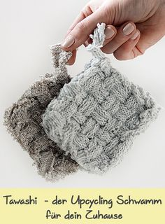 Make your own tawashi. The upcycling sponge from Japan is a great . Make your own tawashi. The upcycling sponge from Japan is a great DIY idea to produce washable washcloths, scraps of cl Make Your Own, Make It Yourself, How To Make, Diy Clothes And Shoes, Diy Cleaning Products, Japan, Washing Clothes, Upcycle, Diy Upcycling