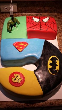 Super hero cake, but with Green Lantern instead of Hulk and Captain American instead of Iron Man