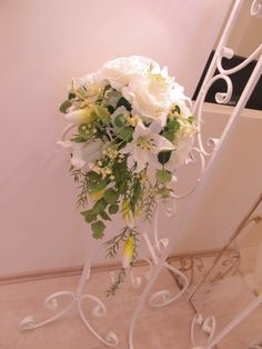 Wedding flowers on the stand