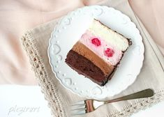 Tort Trio cu crema de branza ciocolata si zmeura Vanilla Cake, Tiramisu, Sweet, Ethnic Recipes, Desserts, Food, Cakes, Pastries, Sweets