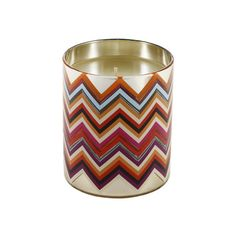 Missoni Home Monterosa Scented Candle (46.230 HUF) ❤ liked on Polyvore featuring home, home decor, candles & candleholders, metallic candles, mediterranean home decor, scented candles, missoni home and chevron home decor