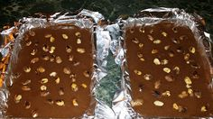 Boros Valéria: Mentás mogyorós csoki!!! Gingerbread Cookies, Pudding, Food, Mint, Candy, Caramel, Gingerbread Cupcakes, Ginger Cookies, Puddings