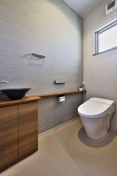 田園の中に佇む木格子が映える家 in 2020 Free Space, Apartment Design, House Rooms, Powder Room, Home Interior Design, New Homes, Bathtub, House Design, Bathroom