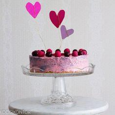 KOOGIKONTOR: Valentinipäeva marja-jogurtitort lagritsakommidega...