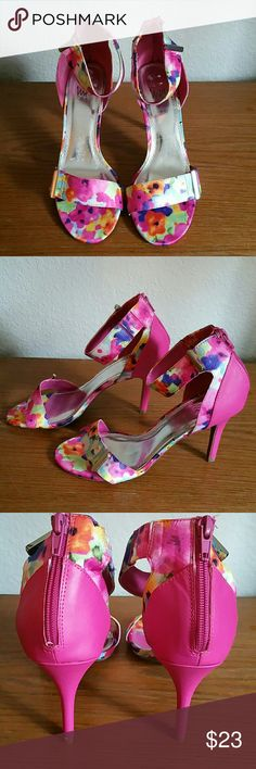 Ladies heels size 8 Cute stylish pre-owned size 8M pink heels. 3 in heels. Great shoes with one tiny flaw bottom of left heel as shown in the 3rd pic. You can hardly see it.  Otherwise, like new.. IMPO  Shoes Heels