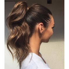 Wonderful Useful Tips: Shag Hairstyles Back View wedge hairstyles with bangs.Women Hairstyles With Bangs Over 40 neat bun hairstyles. High Ponytail Hairstyles, Wedge Hairstyles, Fast Hairstyles, Fringe Hairstyles, Feathered Hairstyles, Prom Hairstyles, Hairstyles With Bangs, Everyday Hairstyles, Brunette Hairstyles
